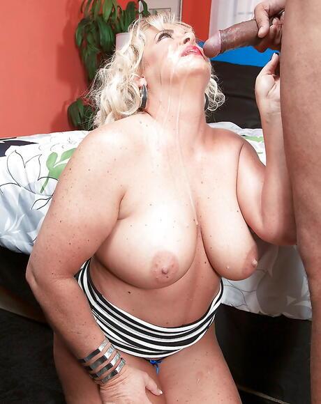 BBW Nipples Pictures