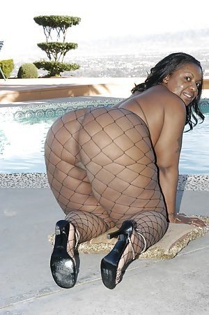 BBW Pool Pictures