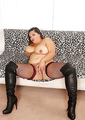 Oiled BBW Pictures