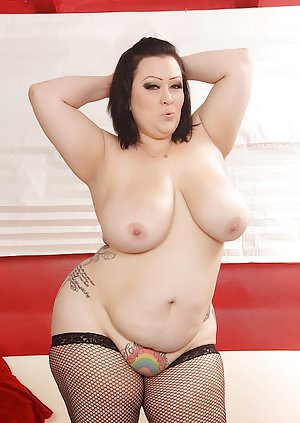 BBW Shaved Pussy Pictures