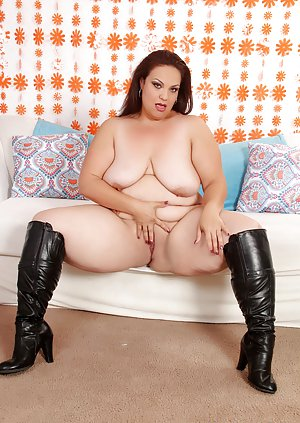 BBW in Boots Pictures
